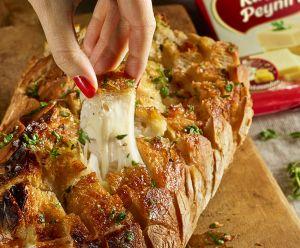 President Kaşar'lı Sarımsaklı Ekmek